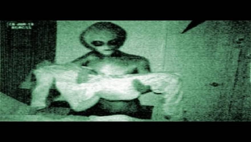 """ΑΠΟΚΑΛΥΨΗ από τον πρώην ΥΠΑΜ του Καναδά: """"Υπάρχουν 80 είδη εξωγήινων – Πώς τους κρύβουν οι κυβερνήσεις""""! (Βίντεο)"""