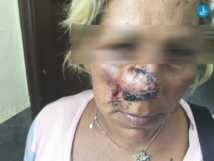 «ΤΩΡΑ ΘΑ ΣΟΥ ΠΟΥΜΕ ΕΜΕΙΣ ΠΟΥΤ@ΝΑ». ! 5 τσιγγάνοι την έβαλαν κάτω και άρχισαν να την δαγκώνουν παντού! (ΦΩΤΟ ΣΟΚ)