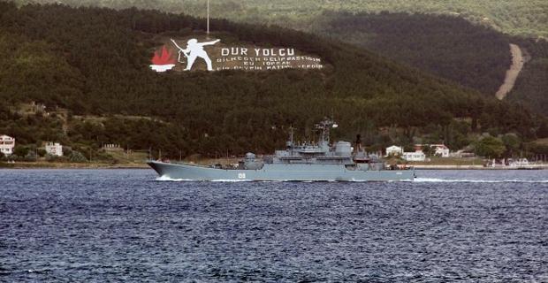 rus-savas-gemisi-canakkale-bogazi-ndan-gecti-7904664_3291_m