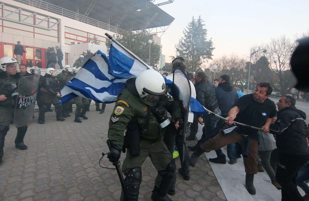 Αποτέλεσμα εικόνας για ξυλο σε αστυνομικο θεσσαλονικη