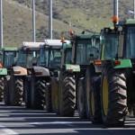 Παραμένουν στις επάλξεις οι αγρότες – Δείτε σε ποια σημεία έχουν στηθεί μπλόκα