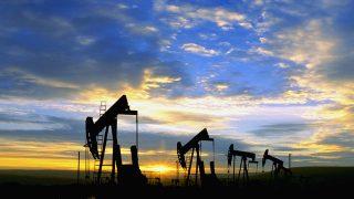 Oil Well Pumps --- Image by © Craig Aurness/CORBIS