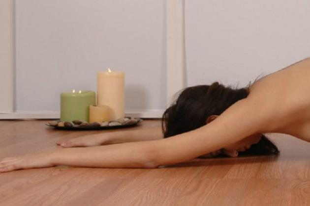 naked-yoga-angelita-696x417