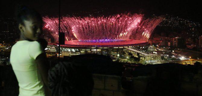 koitazontas-tous-olimpiakous-agones-favela-oi-foto-sokaroun-eikones-670x320