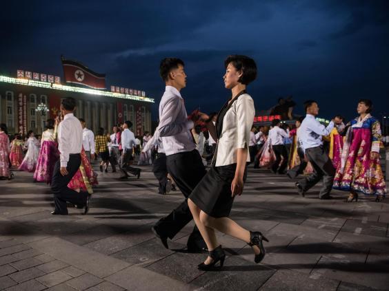 north-korea-dance