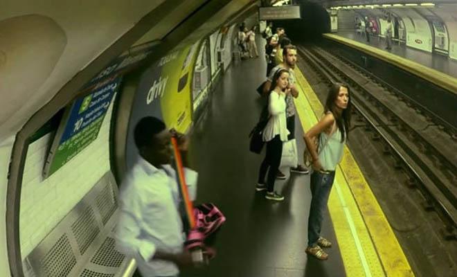 treno-fantasma-ftani-sto-metro-ke-afini-anavdous-tous-epivates