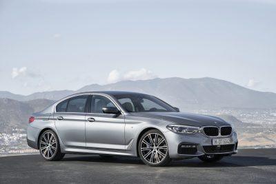 BMW-5-Sedan-400x267