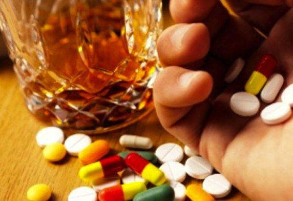 pillsalcoholromanou