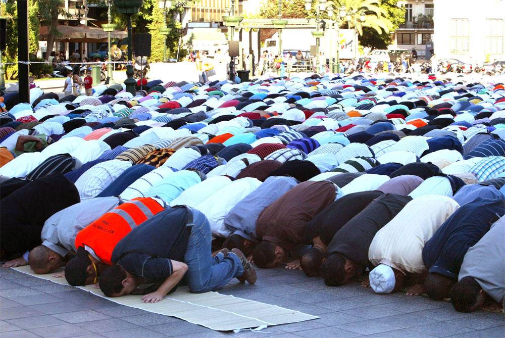 Αποτέλεσμα εικόνας για προσευχη μουσουλμανων