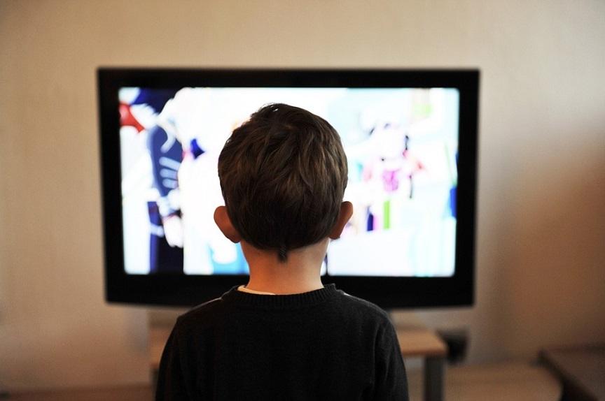 παιδι-τηλεοραση1