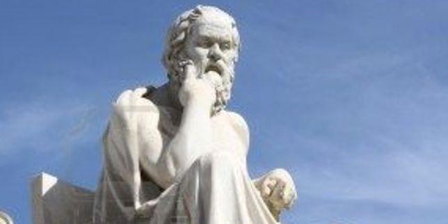 giati-sokratis-arxaioi-filosofoi-theorousan-dimokratia-faulo-politeuma-video