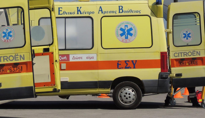 Τραυματιοφορείς του ΕΚΑΒ μεταφέρουν τραυματία από  το Κ/Ζ Louis Olympia, την Τετάρτη 9 Ιουλίου 2014, στο Λιμάνι της Ρόδου  Με απόλυτη επιτυχία πραγματοποιήθηκε σήμερα στη Ρόδο η άσκηση ετοιμότητας σε κρουαζιερόπλοιο «Δωριέας 2014», παρουσία του Υπουργού Ναυτιλίας και Αιγαίου, Μιλτιάδη Βαρβιτσιώτη . Η συγκεκριμένη άσκηση αφορά την αντιμετώπιση κρίσης εντός κρουαζιερόπλοιου και το σενάριο της περιελάμβανε την εκδήλωση περιστατικού πυρκαγιάς σε Κ/Ζ πλοίο, λόγω πιθανής τρομοκρατικής ενέργειας, με πρόκληση σημαντικού αριθμού τραυματιών, εκκένωση πλοίου, επέμβαση της Μονάδας Υποβρύχιων Αποστολών Λ.Σ.-ΕΛ.ΑΚΤ. με σκοπό τον εντοπισμό και σύλληψη του δράστη και συνδρομή Ε/Π Super Puma της Πολεμικής Αεροπορίας με διασώστες Λ.Σ.-ΕΛ.ΑΚΤ., προκειμένου να παραλάβουν τον Πλοίαρχο του Κ/Ζ από το πλοίο. Στην άσκηση συμμετείχαν εκτός από το Λιμενικό Σώμα, η Πολεμική Αεροπορία, η Αστυνομία της Ρόδου , η Πυροσβεστική Υπηρεσία, το ΕΚΑΒ και ο Ερυθρός Σταυρός Ρόδου ΑΠΕ- ΜΠΕ/ ΡΟΔΙΑΚΗ/STR