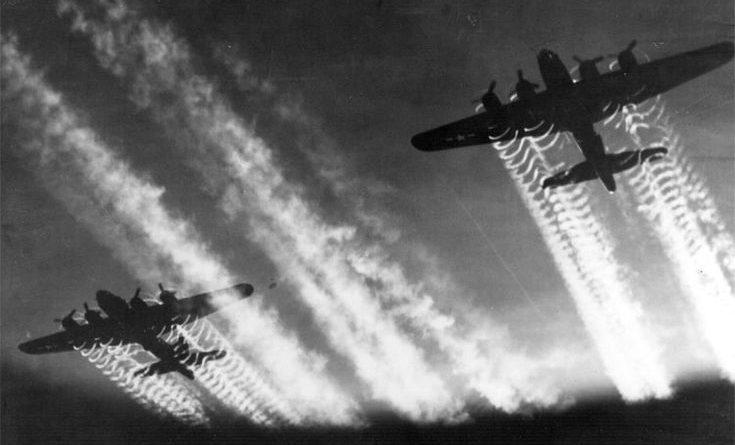 B-17_Flying_Fortress-735x445