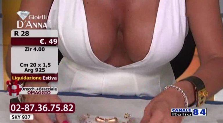 Emanuela-Botto-Boobs-Sexy-White-Dress-Kanoni-5-768x423