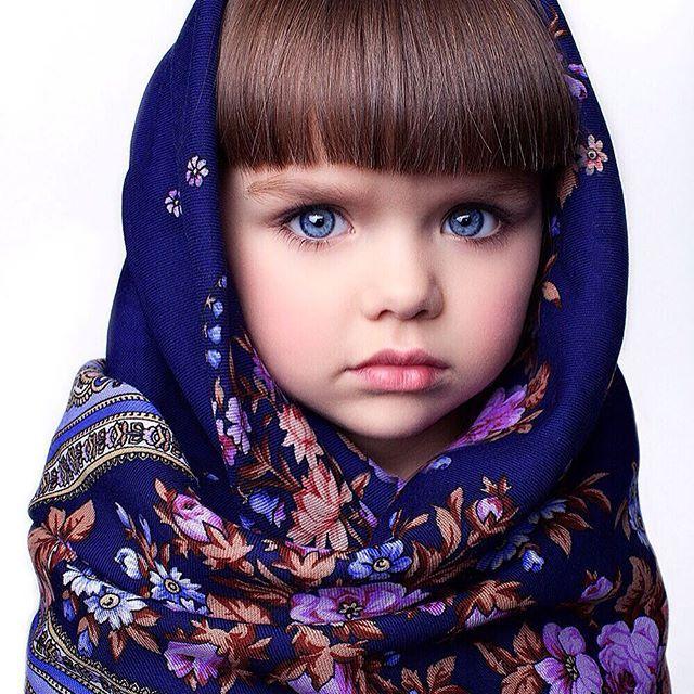 8b78c77c53b781f362e7e1c83add1091--candies-blue-eyes