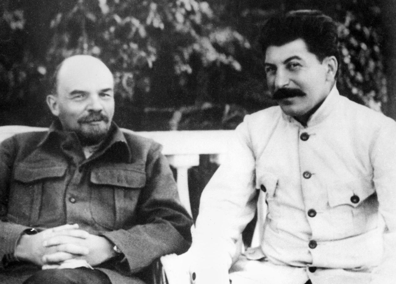 Russian revolutionary leader Vladimir Ilyich Ulianov (1870-1924) better known as Lenin (L) poses in Gorki, Soviet Union, in 1922 with Yossif Vissarionovitch Dzhugashvili (1879-1953) better known as Joseph Stalin, who became Secretary General of the Soviet Communist Party in 1922.   N/B  B/W (Photo credit should read -/AFP/Getty Images)