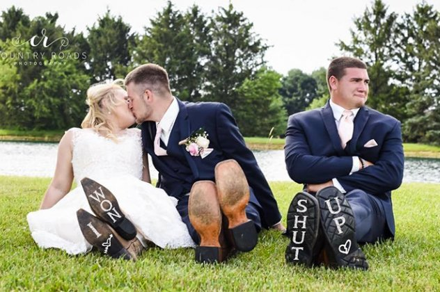 newlyweds-best-man-funny-third-wheel-photos-lindsey-berger-2-5a3cb7575aa15_700
