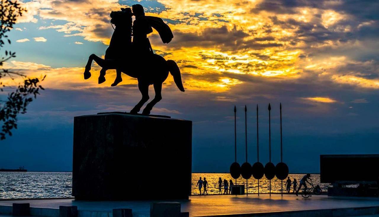 fix97475_greece_thessaloniki_macedonia_statue_alexander_great