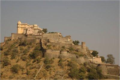 Kumbhalgarh-great-wall-India-2