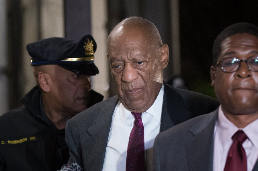 epa06694773 (FILE) -  US entertainer Bill Cosby (C) departs the Montgomery County Courthouse in Norristown, Pennsylvania, USA, 25 April 2018 (issued 26 April 2018). Jury has reached a verdict in Bill Cosby sexual assault retrial.  EPA/TRACIE VAN AUKEN