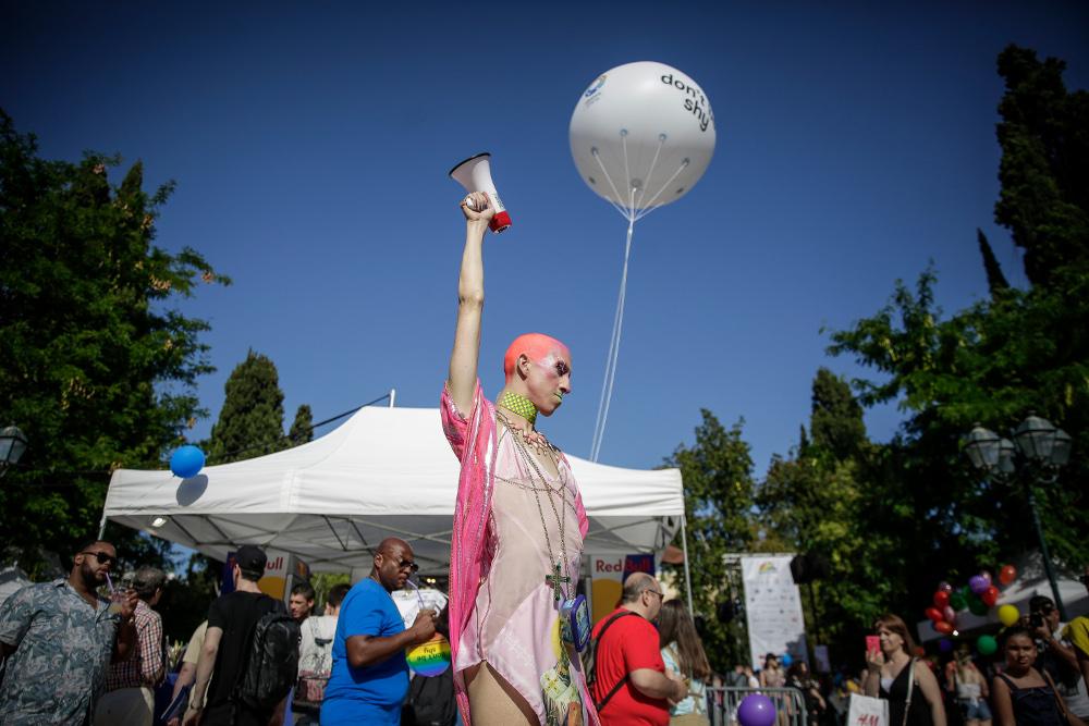 """""""С�Ღquot;, Athens Pride 2018, �ܢ⡴ ɯ��18. ĩﱣ觪堣顠14砤顤Ꞡ�霠 hޭᠪ᩠埭᩠砤彴屧 � 砰ᱝ롳砰ᴯ觪堳�Ыᴥߡ ӵ�㬡� ���婡 窥 頬堣�� ꡫ면ݷ� ꡩ Drag Acts. (EUROKINISSI/ӔŋɏӠ̉Ӊ́ө"""