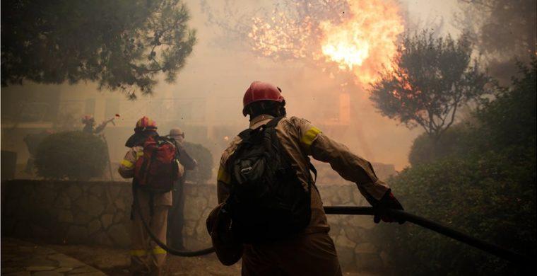 Πυροσβεστική-πυροσβέστες-760x390