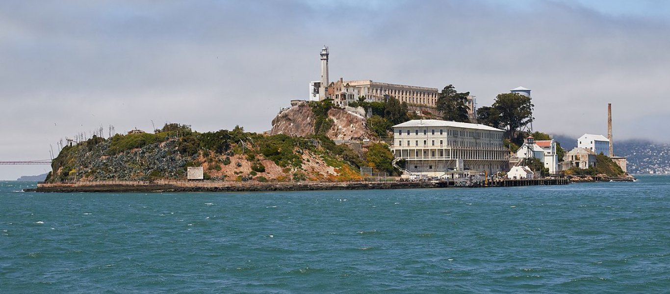 1200px-alcatraz_island_as_seen_from_the_east