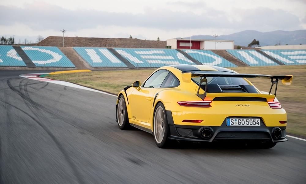 190319110633_Porsche-911-gt2-rs-tsiro-1000x600