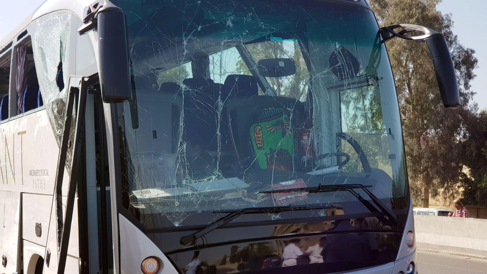 skynews-bus-blast-cairo-egypt_4673452