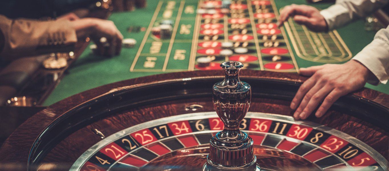 table-roulette-chips-casino-casino-concepts