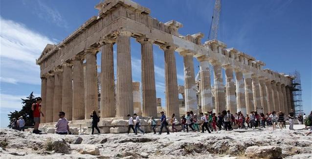 tourismos-ellada-oikonomia-akropoli_0