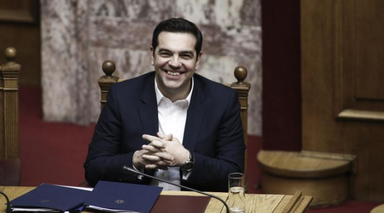 tsipras_gelaei_
