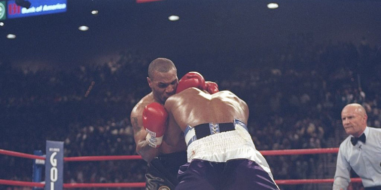 mike-tysson-holyfield-box-1997