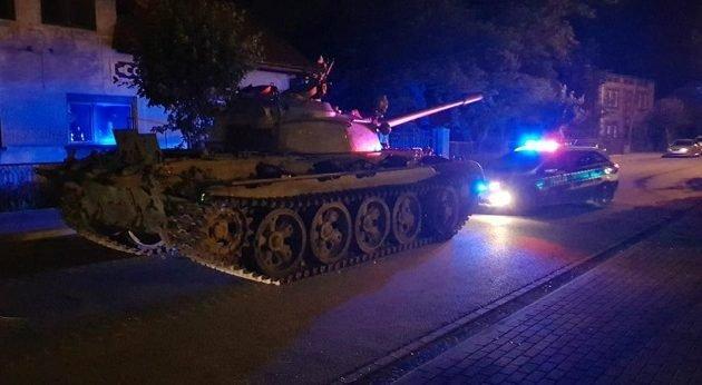 tanks-sovietiki-enosi-630x346