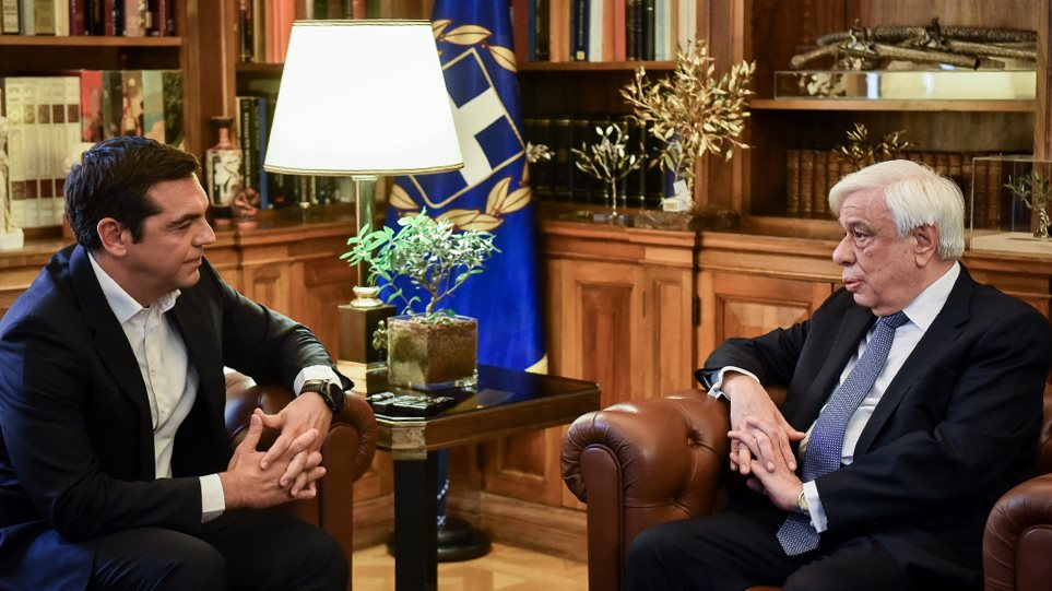 tsipras-pavlopoulos_main03