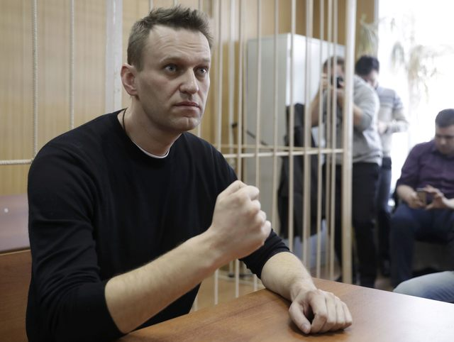 Russian opposition leader Alexei Navalny attends a hearing after being detained at the protest against corruption and demanding the resignation of Prime Minister Dmitry Medvedev, at the Tverskoi court in Moscow, Russia March 27, 2017.  REUTERS/Tatyana Makeyeva
