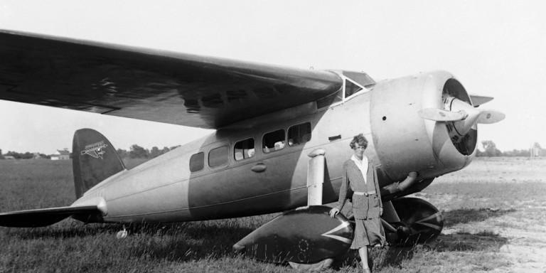 Amelia-Earhart-1932