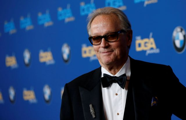 FILE PHOTO: Actor Peter Fonda poses at the 70th Annual DGA Awards in Beverly Hills, California, U.S., February 3, 2018. REUTERS/Mario Anzuoni/File Photo