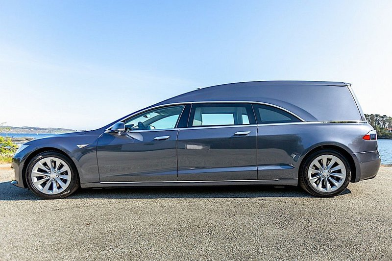 this-tesla-model-s-hearse-can-be-yours-for-220000-12_77761_369057_type15016