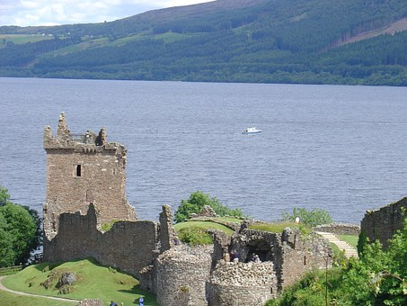 scottish-castle-967972__340-pixabay