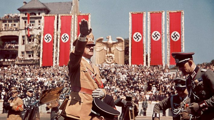 Adolf-Hitler-salutes-troops-710x401