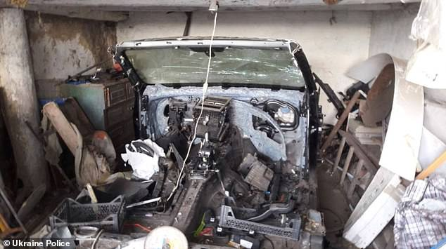 22010152-7772493-A_year_later_Andreev_tried_to_sell_the_parts_of_the_car_on_the_I-a-51_1575902433849