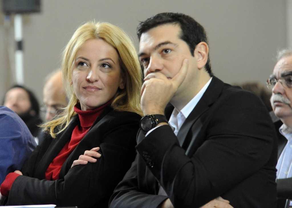 dourou_tsipras_aftodioikisi