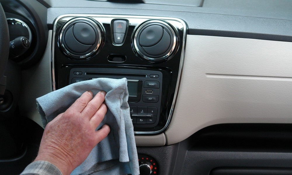 200315132957_auto_car_wash_transport_car_care_inside_cleaning_dashboard-679818.jpgd_