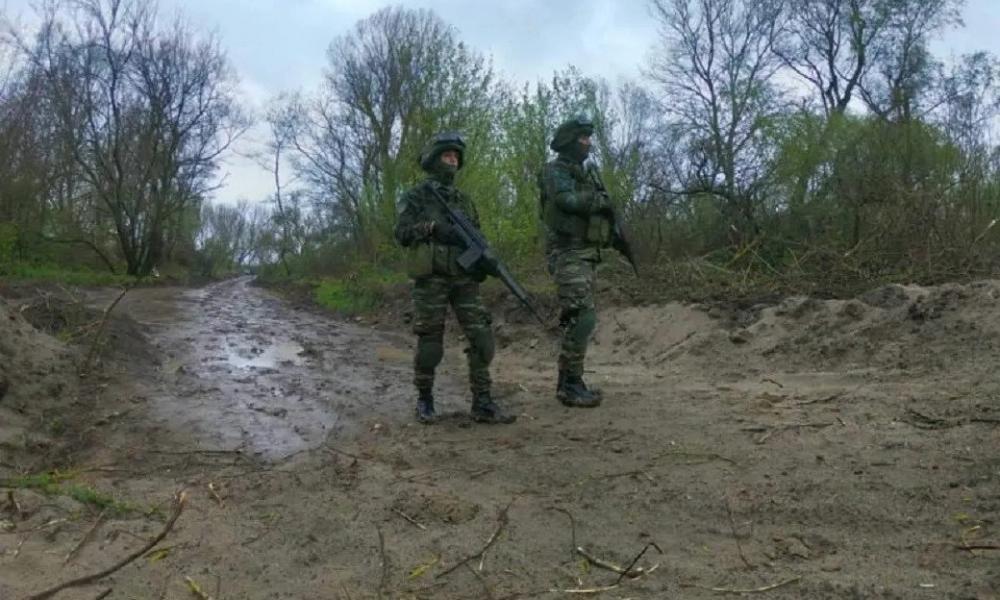 Ανδρόγυνο στρατιωτικών