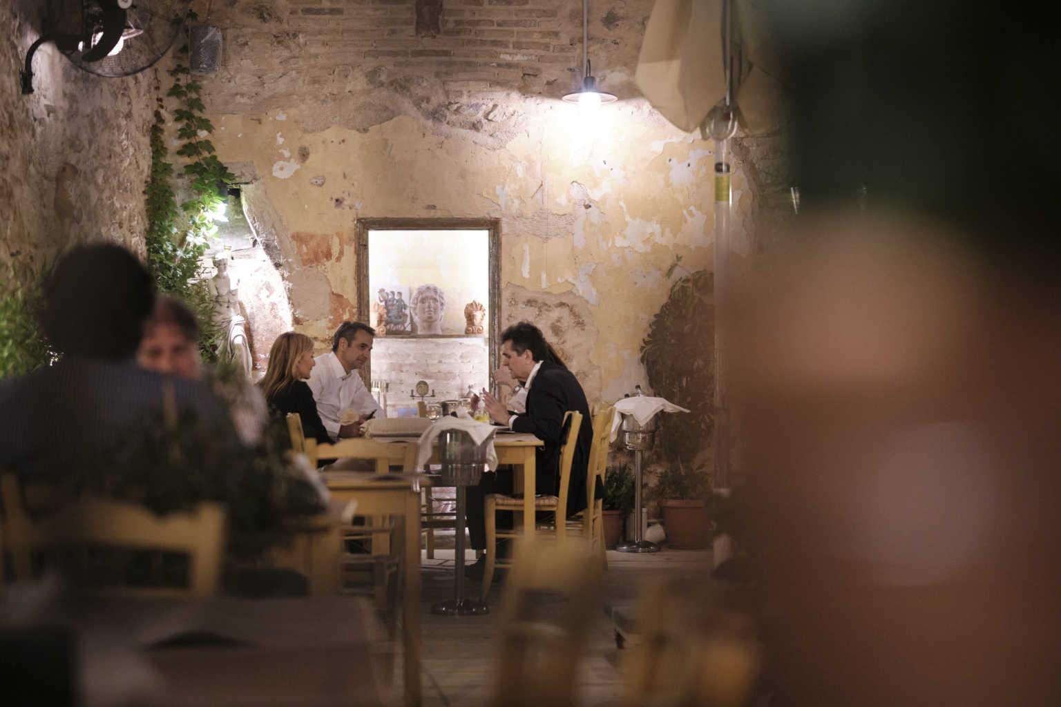 taverna_mitso_sake_0807_1-1536x1024