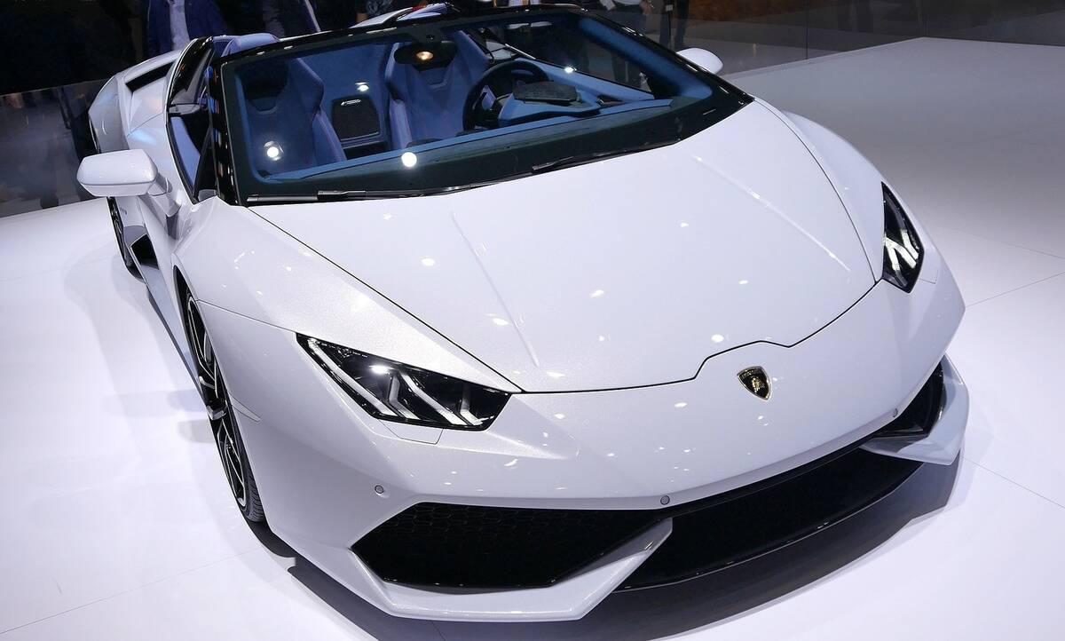 luxury-sports-car-2087731_1920