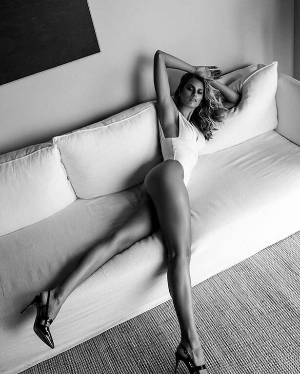 Natalie-Jayne-Roser-Hot-Body-5