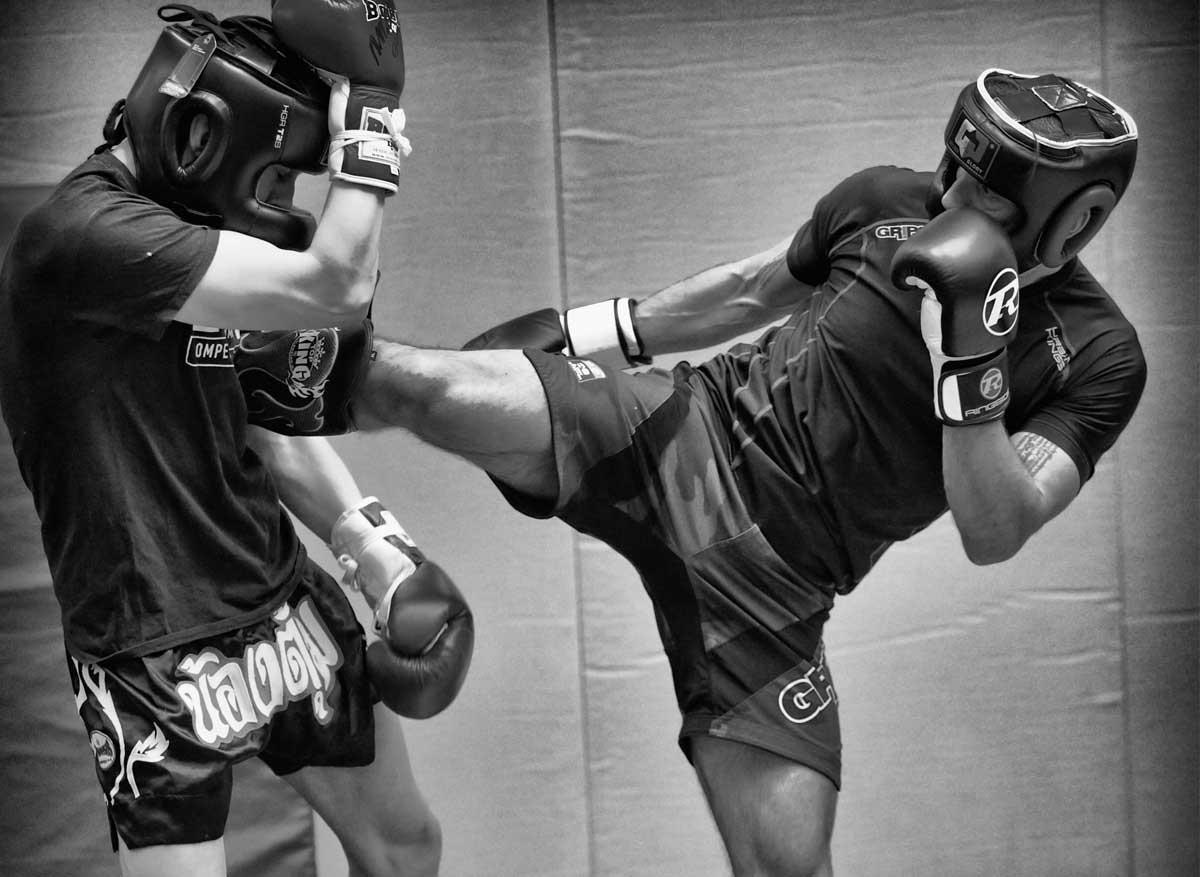 kickboxing-sparring1