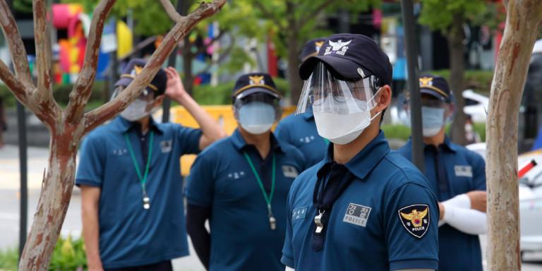 korea-astynomikoi-maskes